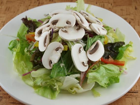 ①サラダにあうきのこベスト3 きのこ営業マン的ベスト3